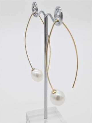 9ct Yellow Gold Long Elegant Pearl Earrings