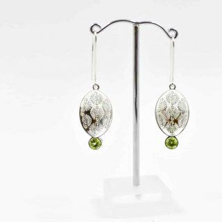 Pattern Earring with Peridot