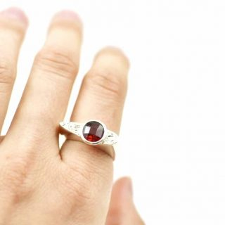 Swirl Top Ring with Garnet