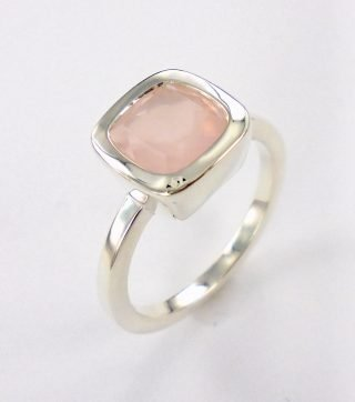 Rosequartz Cushion ring